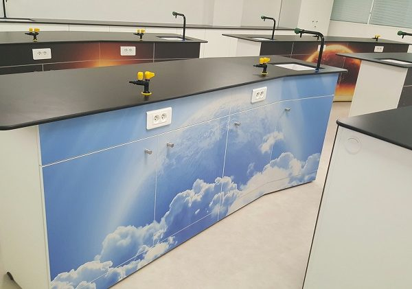 ecoDura panels in Laboratory, Healthcare or Education Environment